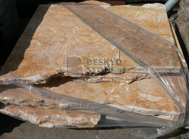 Kamenná dlažba štípaná nepravidelného tvaru-chorvatský vápenec