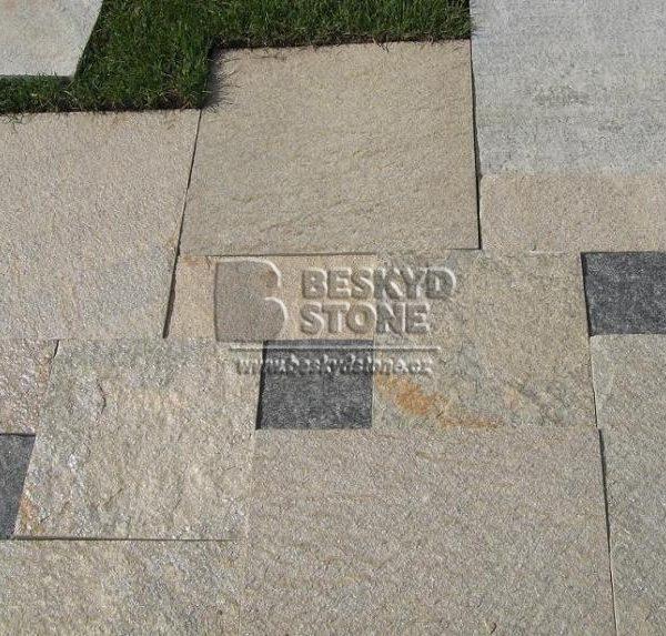 Kamenná dlažba z formátovaného kamene Gneis