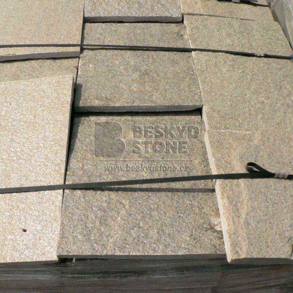 Řezaný pravidelný kámen Gneis medový