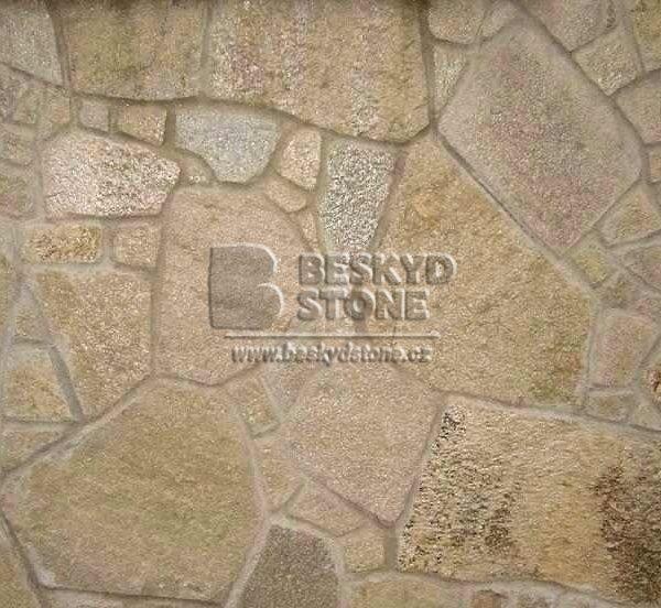 Kamenný štípaný obklad Gneis-rula medová nepravidelného tvaru