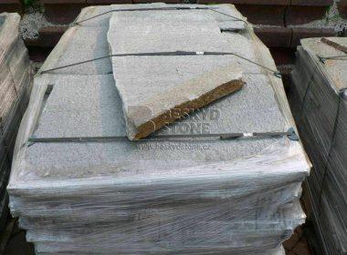 Obkladový a dlažební přírodní kámen Gneis stříbrný nepravidelný tvar - paleta