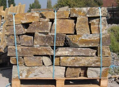 Zídkový kámen štípaný Gneis hnědobéžový