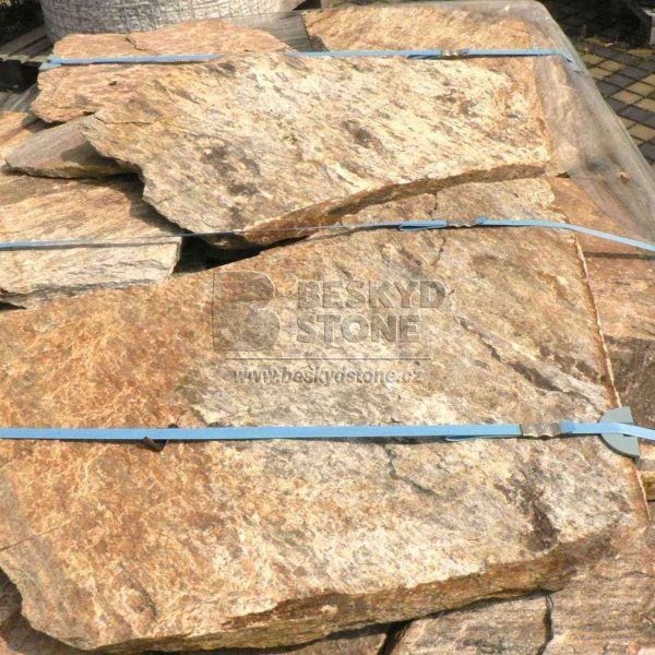 Obkladový a dlažební přírodní kámen Gneis zlatý nepravidelného polygonálního tvaru - paleta