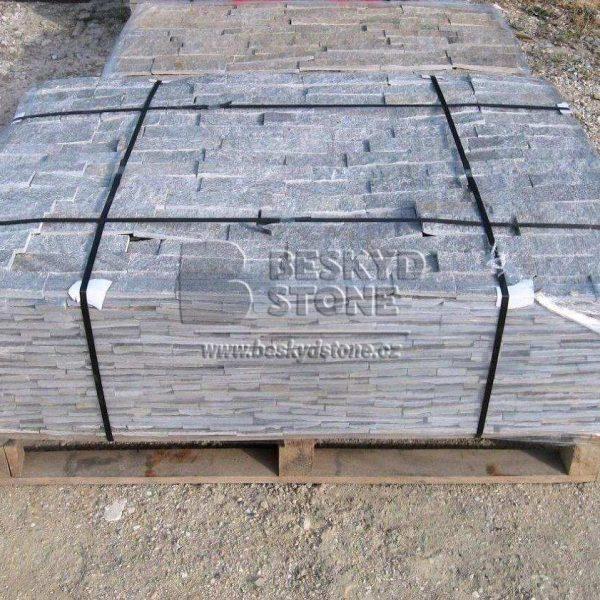 Kamenný obkladový fasádní pásek Gneis stříbrný