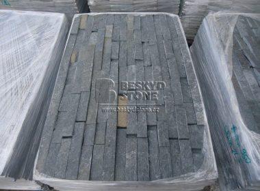 Kamenný fasádní obkladový pásek z černého Gneisu